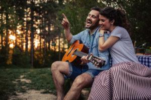 Goede 15 fantastisch leuke manieren om je vriendin te verrassen - Ze.be YU-98